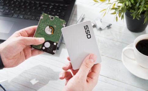 HDDとSSDの違いとは?機能・価格・容量のほか、おすすめしたい人の特徴を解説