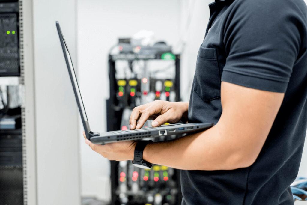 初期化(リカバリ)をパソコン修理業者に依頼するメリット